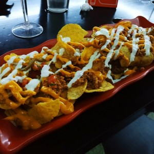 Chicharito's nachos mixtos