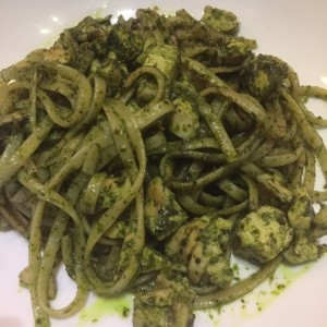 linguini pesto con pollo