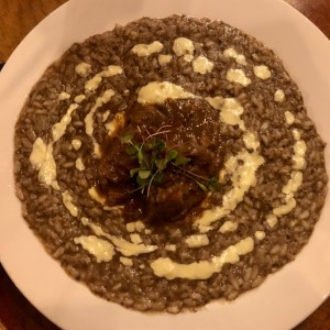 Risotto de trufas negras con filete de res