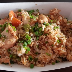 Arroz de vegetales con pollo