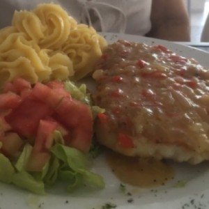 Filete de Pescado al Ajillo