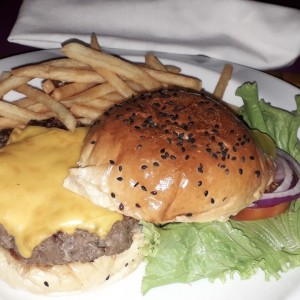 cheeseburger de angus