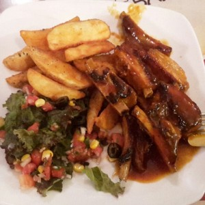 Spare Ribs in Barbacue Sauce with Western Potatoes & veggie salad
