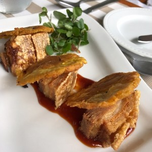Pork belly con patacones