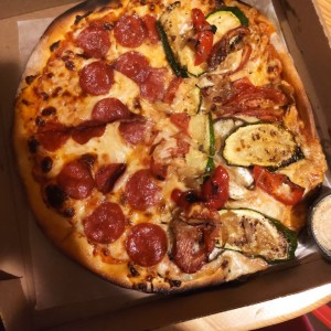 Pizza - Vegetariana/ Pepperoni