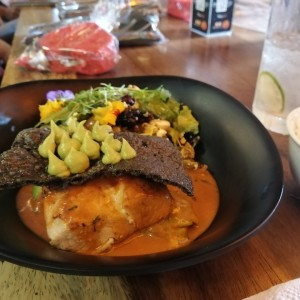 Filete de pescado con palta