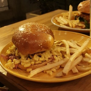 Burger Gula con Mac & Cheese