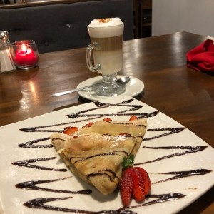 Crepes Dulces - Chocolate y fresas y capuchino