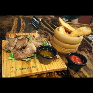 Roasted Meat (100gr) y Papas Western