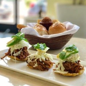 Patacones con Pulled Pork