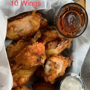 10 Wings with Sweet Chilli Sauce & Garlic Parmesan Sauce
