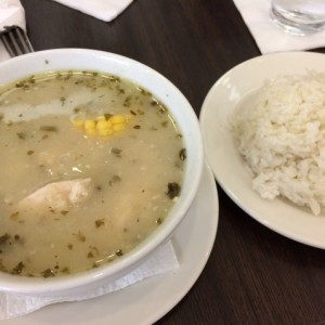 Sancocho con arroz blanco
