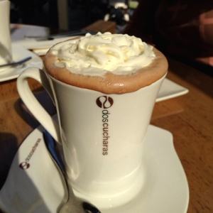 Chocolate caliente con crema