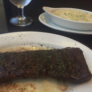 Skirt steak with mashed potatoes