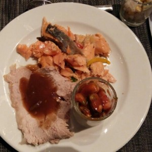salmon y pierna del buffet del marisco