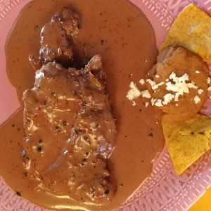 Filete de res salsa pimienta