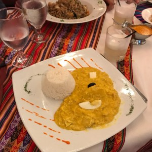 Aji de gallina y pisco sour