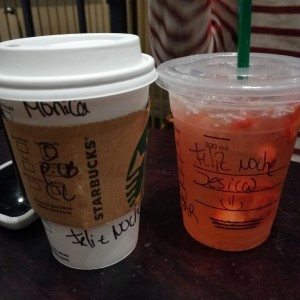 chocolate caliente y strawberry refresher