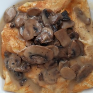 crepes pollo , queso y champignon
