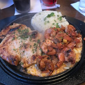 Sizzling Chicken and Shrimp, the best