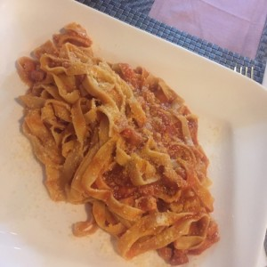linguini amatriciana