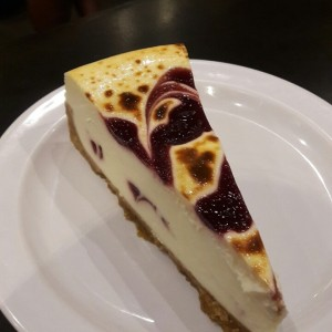 cheesecake de chocolate blanco y blueberry
