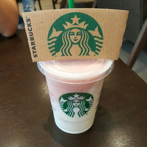strawberry yogurt frapuccino