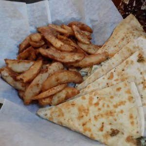 quesadillas con potato wedges