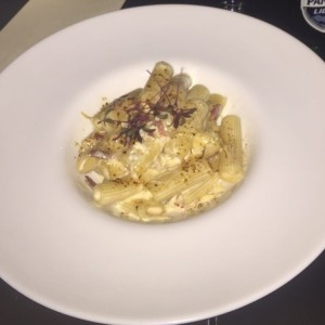 Mac and cheese trufado en Rigatoni
