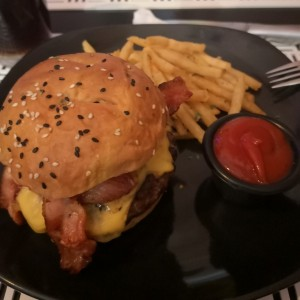 hamburguesa Bacon y Cheddar