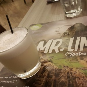 Pisco sour de limón espectacula