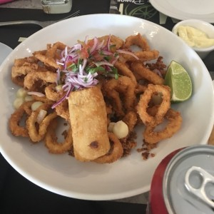 chicharron de calamar