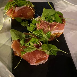 Anti Pasti - Bruschetta Fumé