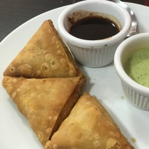mini samosas vegetarianas