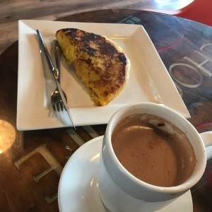 Cachapas con un Chocolate Caliente