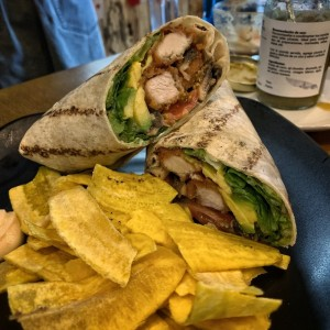 Wrap de Pollo (Spicy honey chicken wrap)
