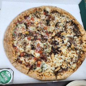 Pizza XL Mitad Alfredo D'Light mitad Chicken BBQ
