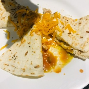 quesadilla de pollo y queso