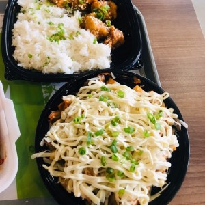 kimchi fries y korean fried chicken