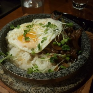 RICE & NOODLES - WAGYU RICE BOWL