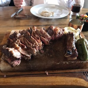RIB EYE CON HUESO 28 oz