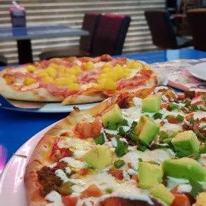 Pizza Mexicana y Hawaiana