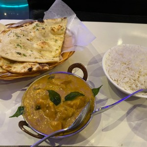 IGARLIC NAAN, BASMATI RICE & CHETTINAD CHICKEN
