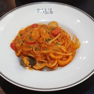 linguini con frutos del mar