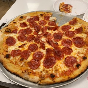 Pizza de Pepperoni Familiar