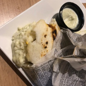 Platos Calientes - Arepa Mixta