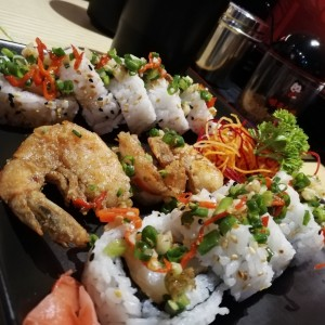 spicy roll sushi