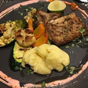 filete de pescado vegetales y pure