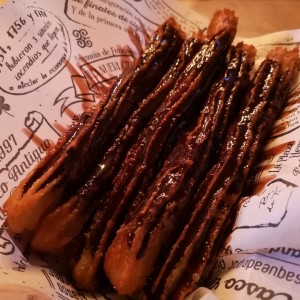 churros bañado de chocolate