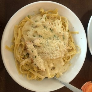 Clasicas Favoritas - Chicken Alfredo
